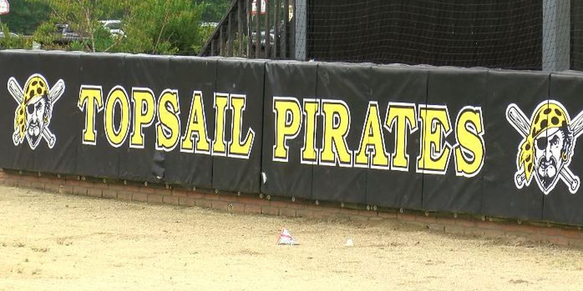 Topsail High School Athletic Director Barry West to step down