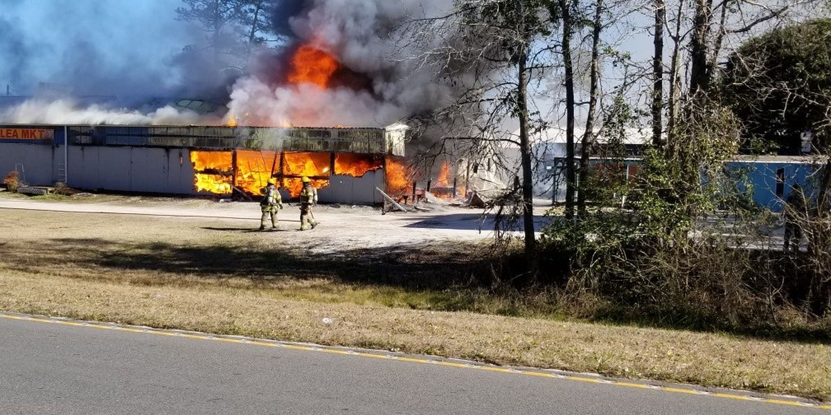 One injured in fire at North Myrtle Beach Flea Market