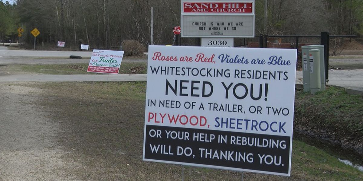Valentines Day signs asking for help in Whitestocking community
