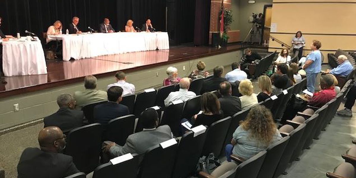 Moderate turnout for public hearing on future of NHRMC