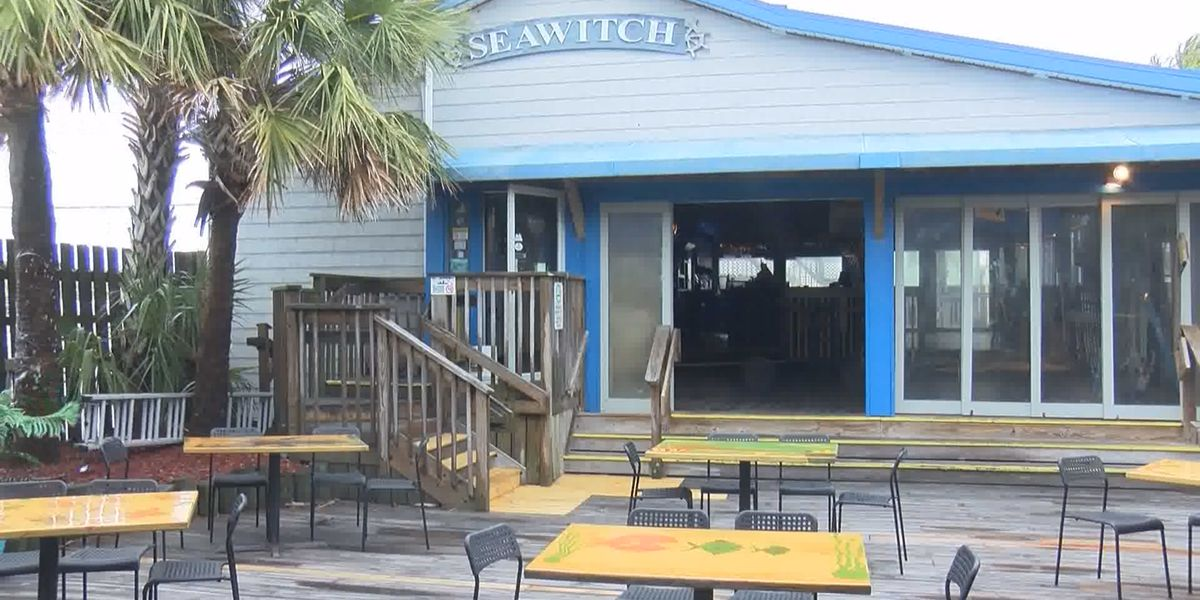 Carolina Beach to allow restaurants to use parking area for outdoor dining