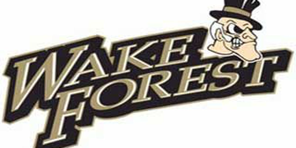 No. 8 Notre Dame knocks off Wake Forest
