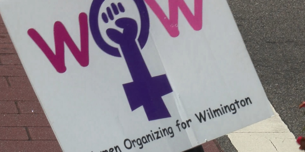 Women rally in downtown Wilmington against anti-abortion laws