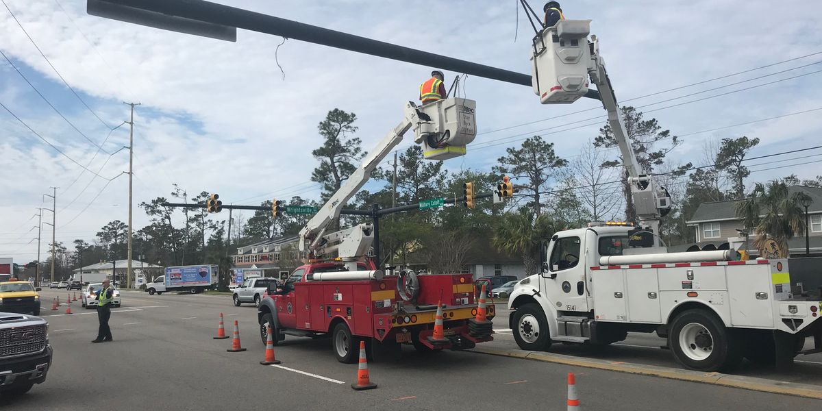 TRAFFIC ALERT: Military Cutoff, Wrightsville Ave. reopens after tractor-trailer accident takes down traffic lights