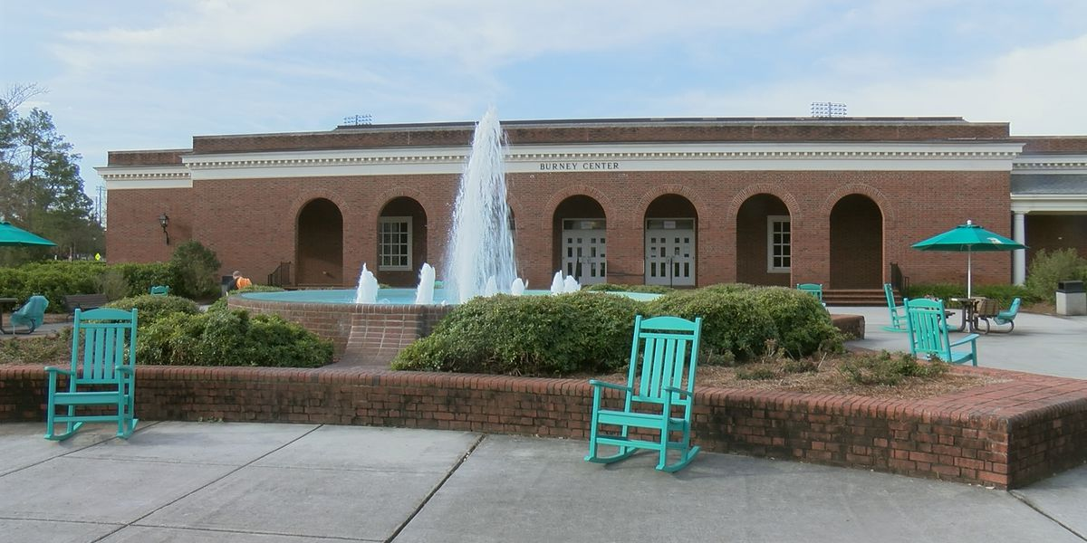 COVID-19 vaccine clinic opens on campus of UNCW