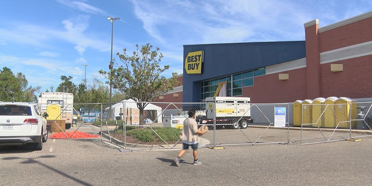Best Buy plans to re-open Friday after taking hit from Florence