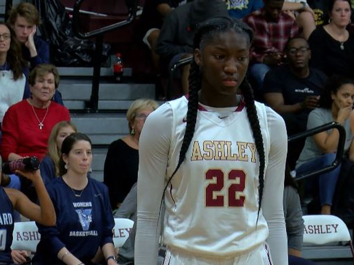 Ashley's Rivers commits to South Carolina