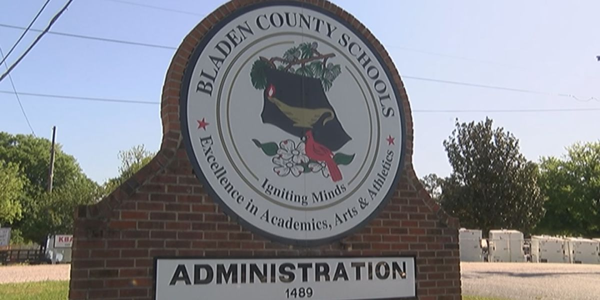 Bladen County Schools releasing students, staff early today due to weather