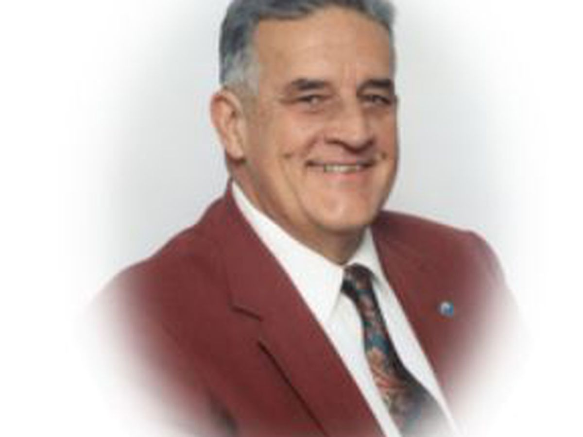 Former Carolina Beach Mayor dies
