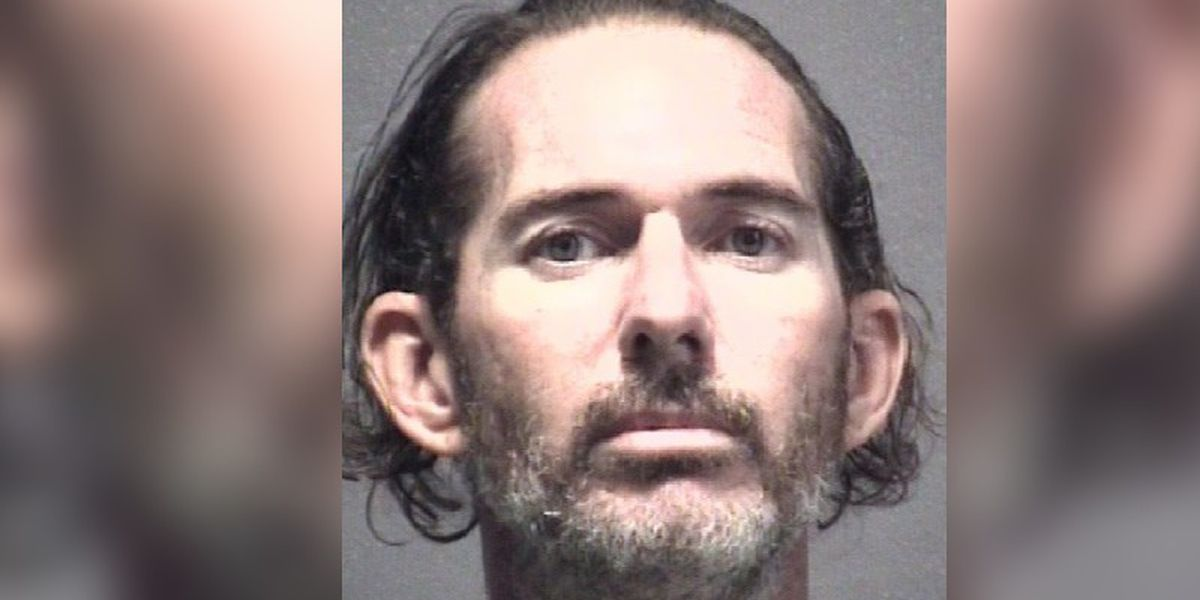 Man shot after forcing way into deputy's home now in jail under $450k bond