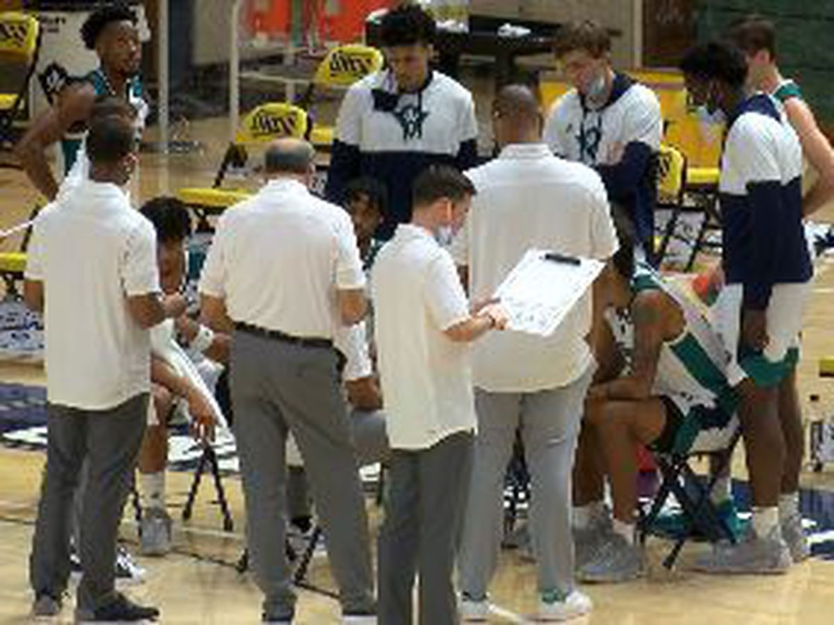 UNCW men fall short at Towson