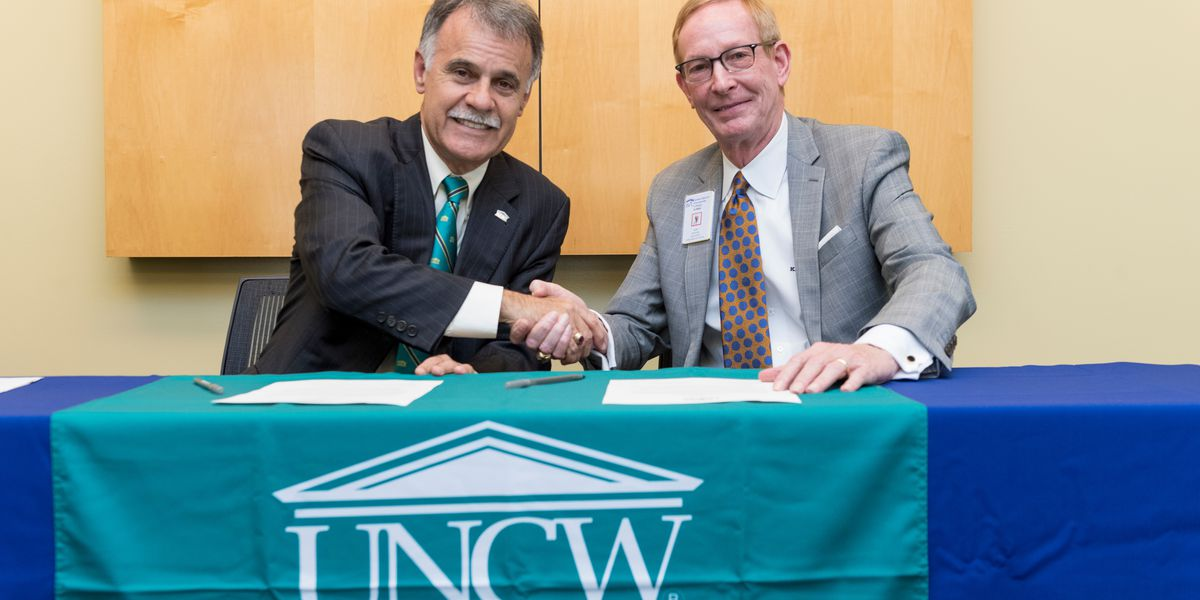 James Sprunt signs Guaranteed Admissions Agreement with UNCW