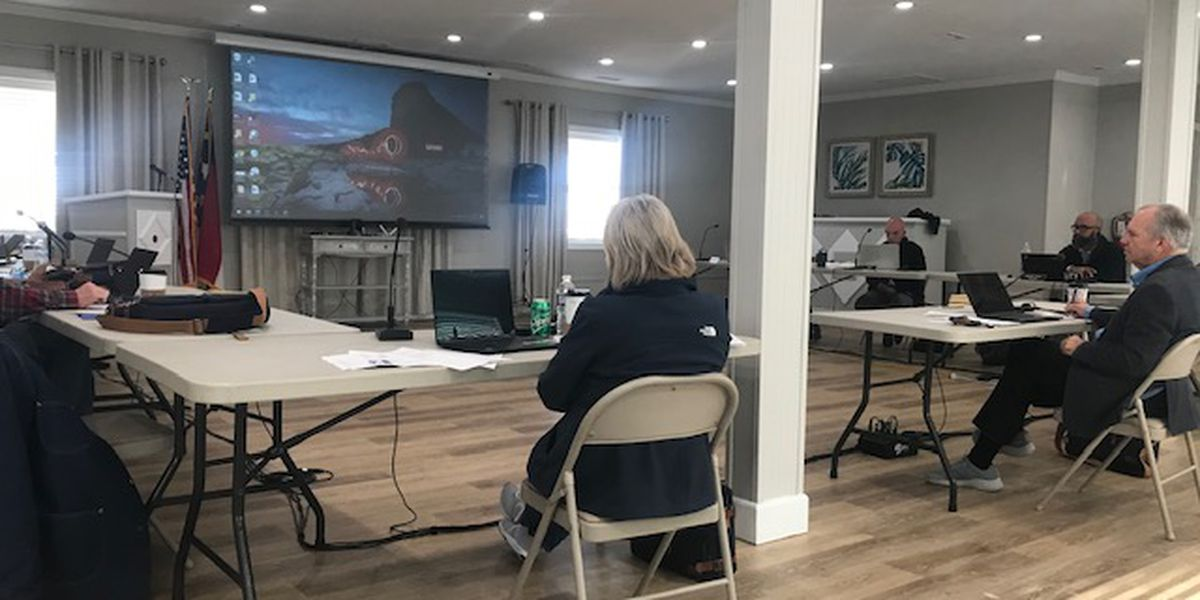 'It's not an easy topic': Surf City council members discuss paid parking