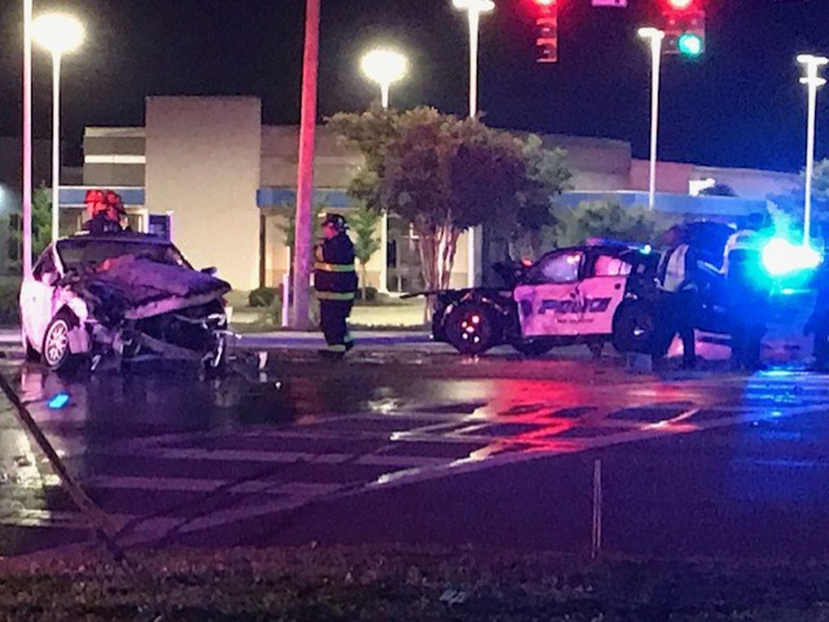 Wilmington police cruiser involved in Monday morning accident