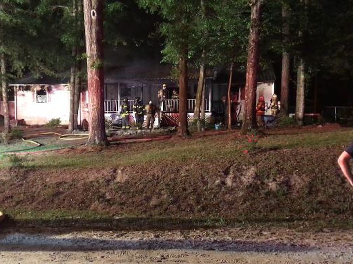 Crews put out house fire in Leland early Tuesday morning