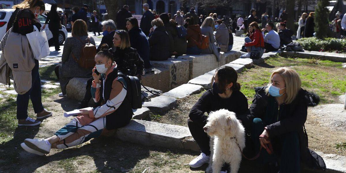 Strong earthquake shakes central Greece, felt in Balkans