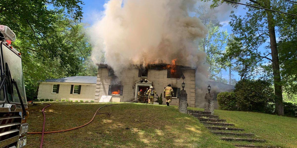 Fire in Elizabethtown destroys home, kills family pet