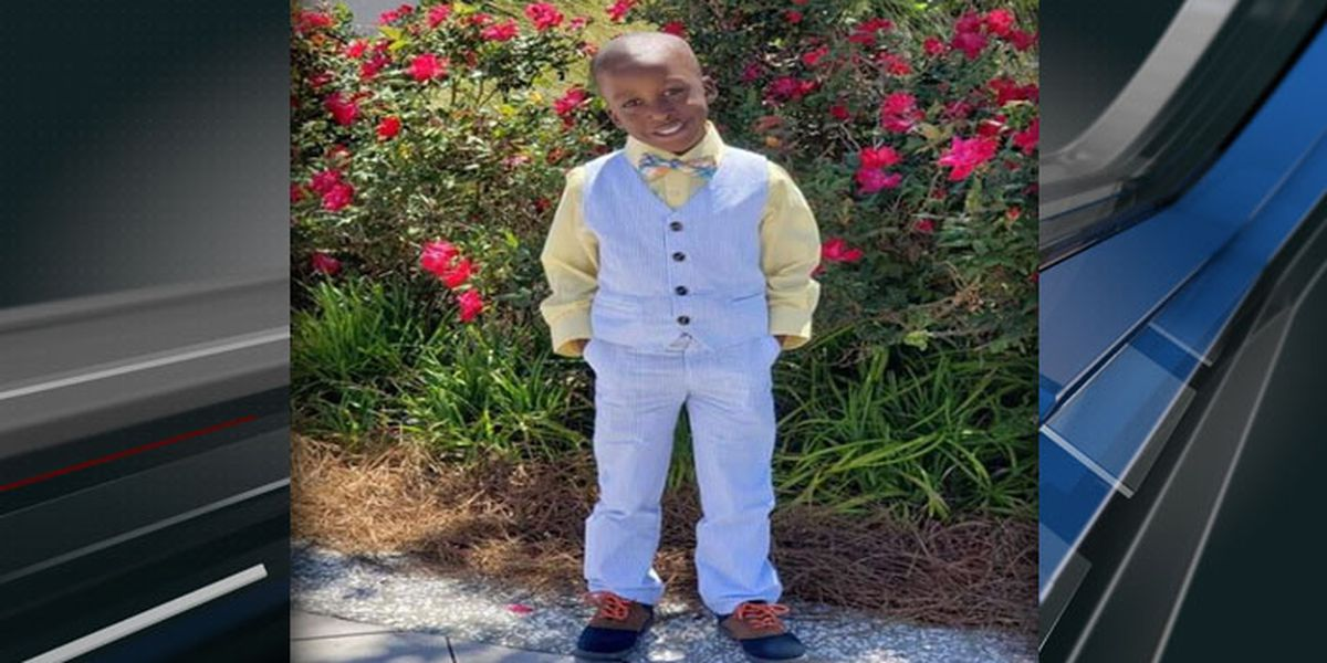 5-year-old boy killed in accident involving float at S.C. Christmas parade