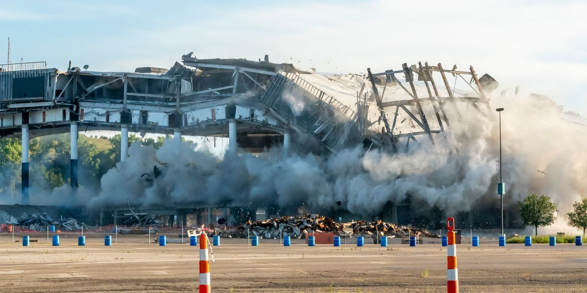 Palace of Auburn Hills imploded