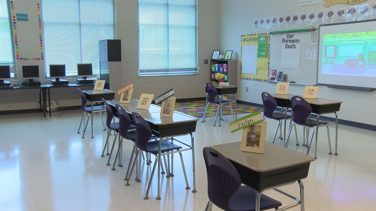 New Hanover County school board votes to delay transition to Plan A for elementary schools