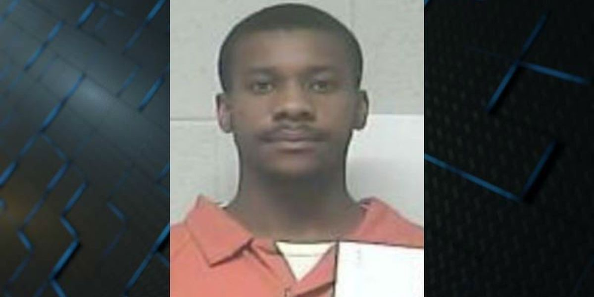NC man pleads guilty to setting his girlfriend's apartment on fire