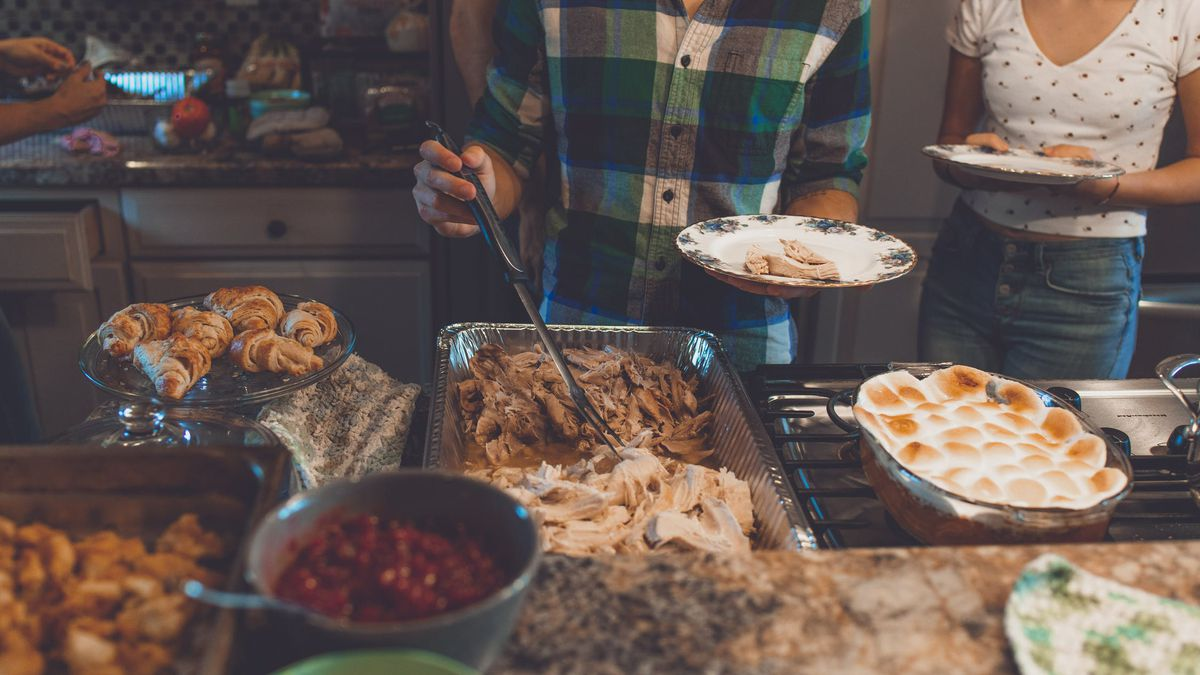 Tips to prevent overeating and that sluggish feeling on Thanksgiving