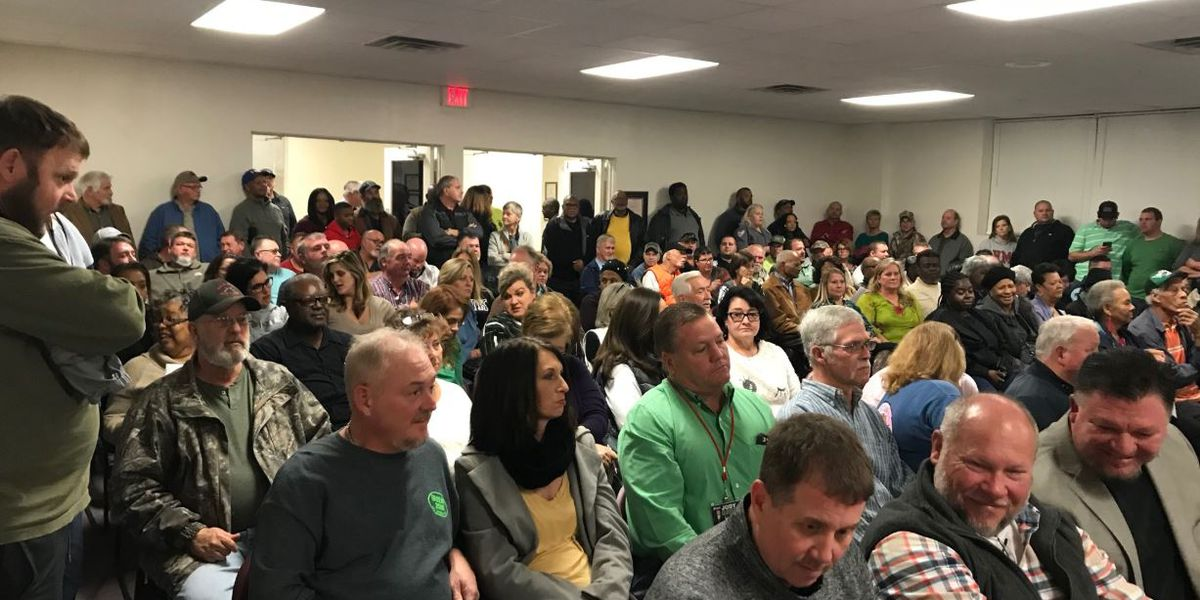 Community members pack commissioners meeting discussing sheriff's legitimacy