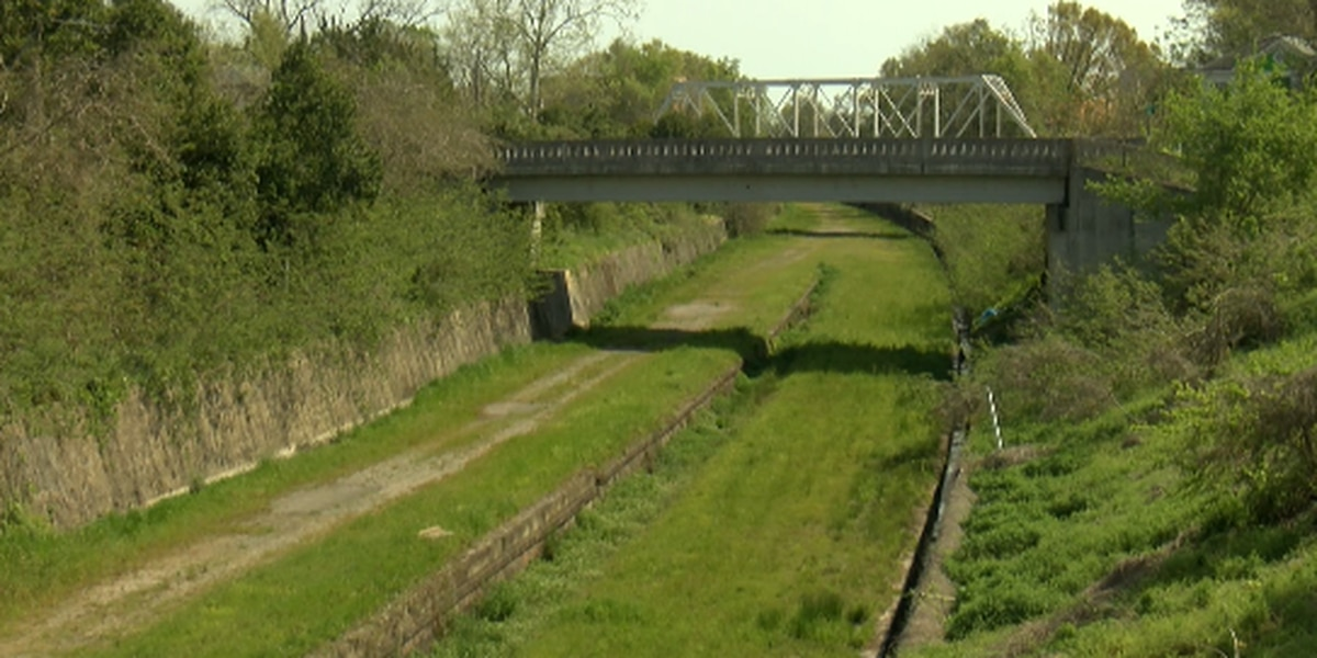 Groups hope to convert old railroad downtown into walking, biking trail
