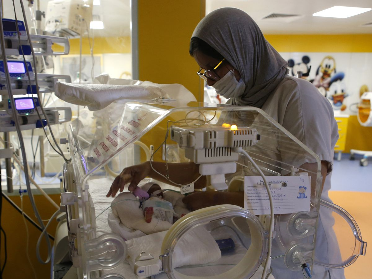 Woman, 25, gives birth to 9 babies after only expecting 7 in Morocco