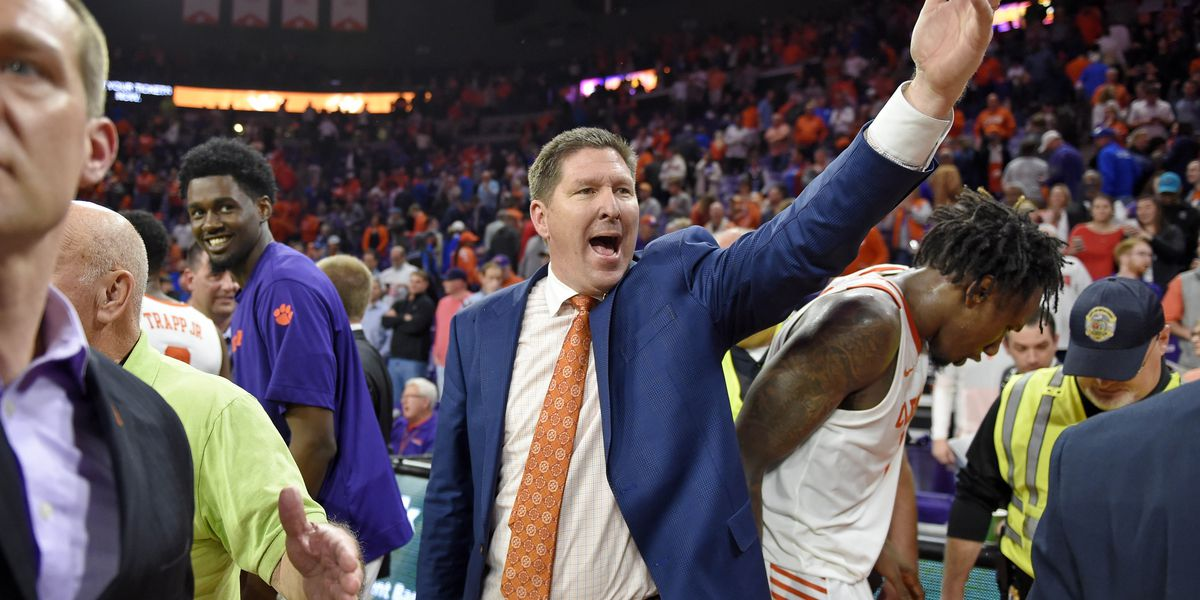 Consolation prize: Clemson knocks off No. 3 Duke in hoops