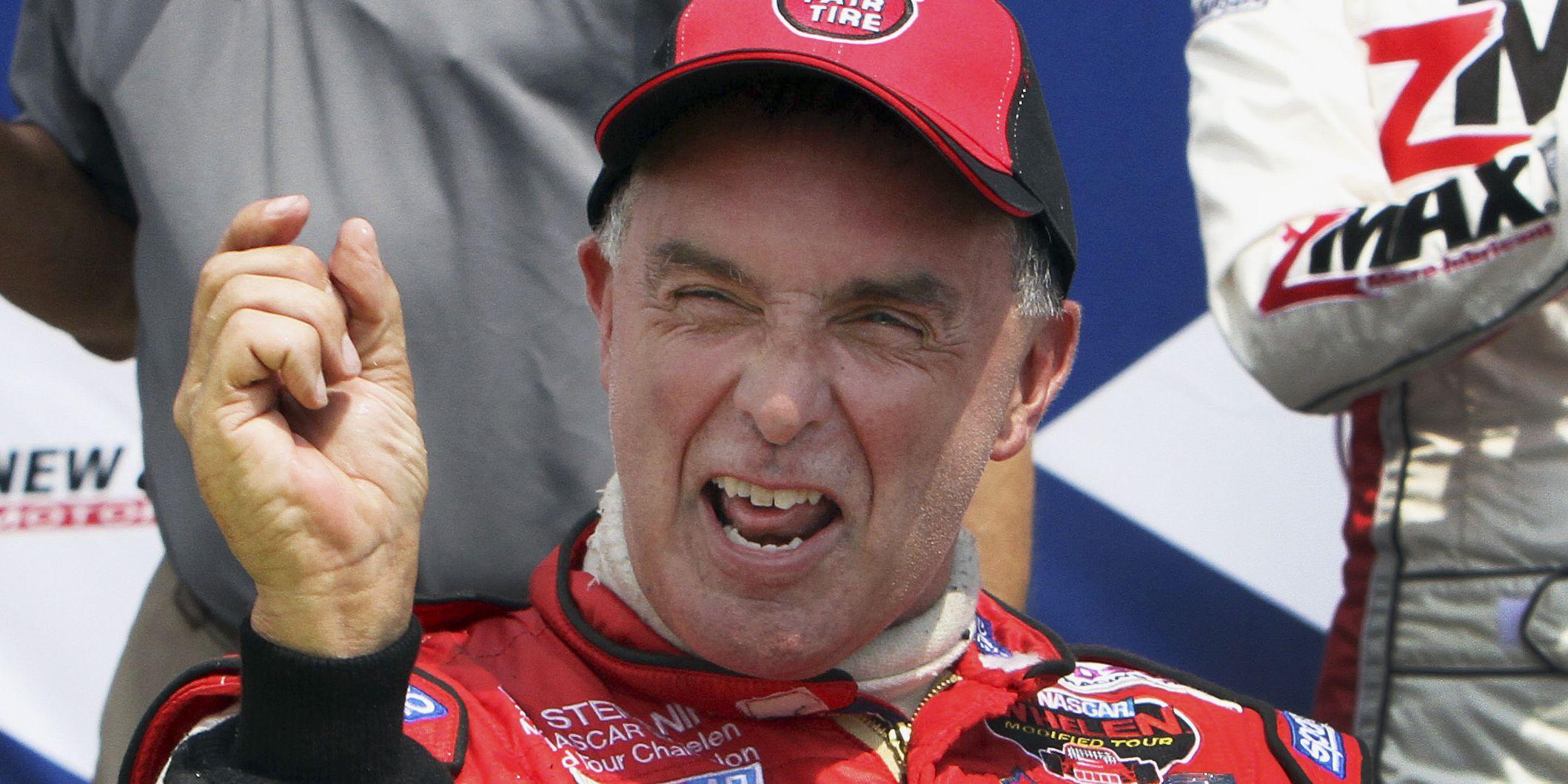 Former NASCAR driver Stefanik killed in single-engine plane crash
