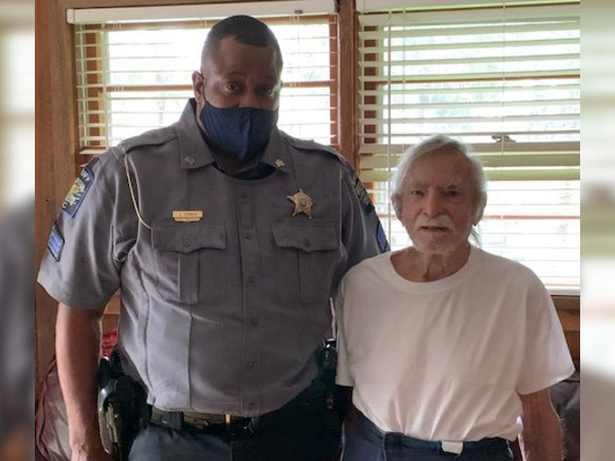 Columbus County Sheriff's Deputy saves elderly man