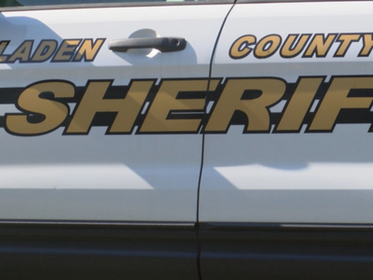 Bladen County Sheriff investigating possible scam involving individuals posing at water department employees