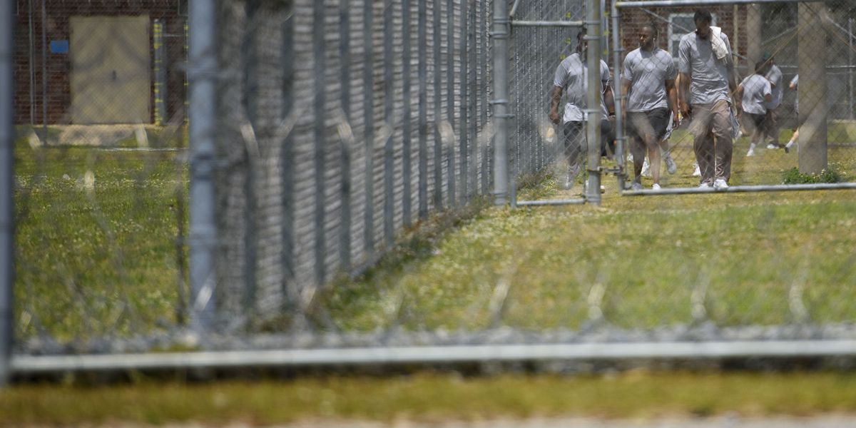 "Experts: Without more COVID-19 testing, ""more people will die"" in prisons"