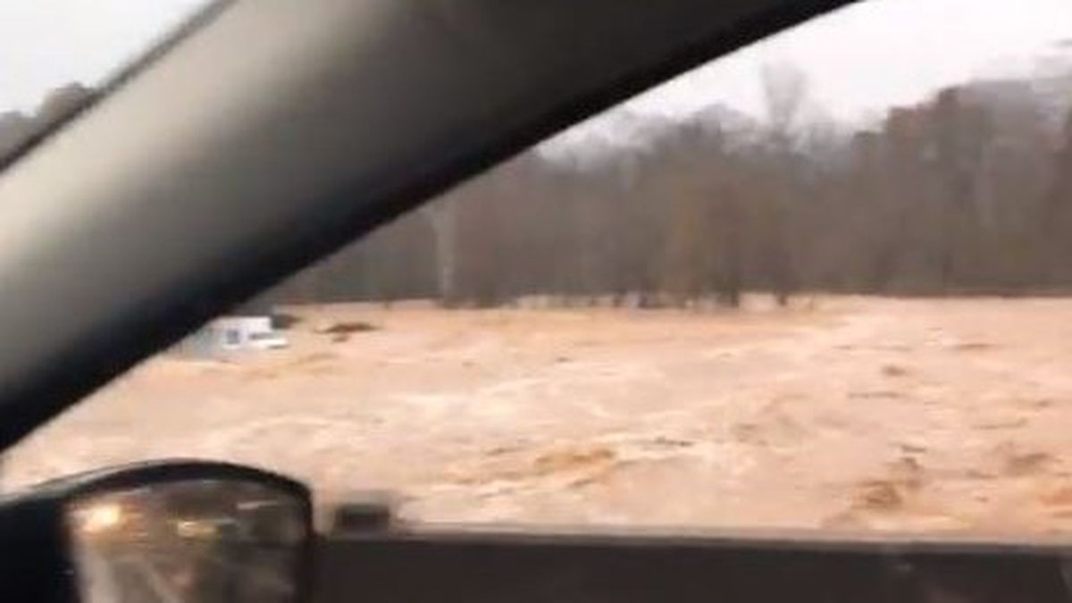 Five people missing, 33 rescued from floodwaters at N.C. campground