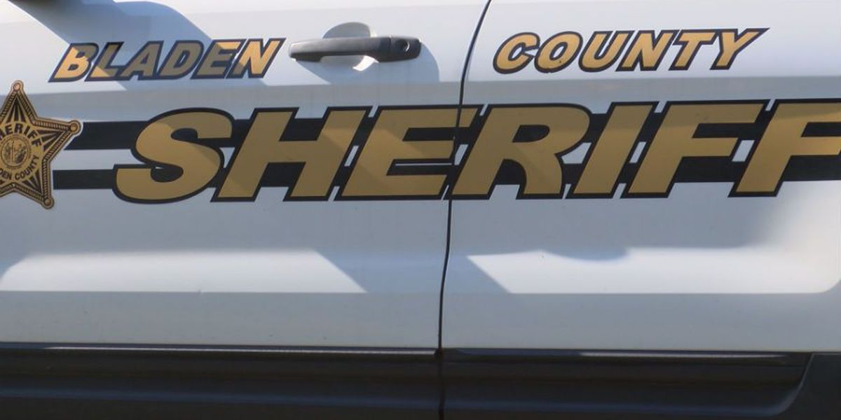 Complaint filed against Bladen County sheriff for electioneering near voters casting ballots