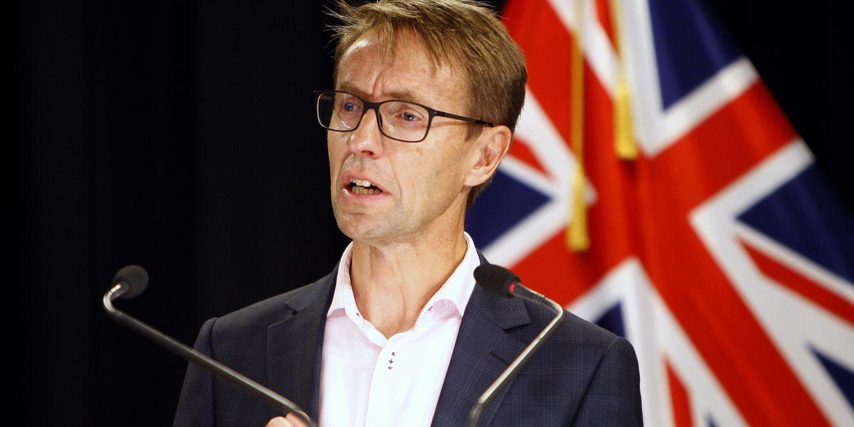 New Zealand reports 1st community case of coronavirus in months