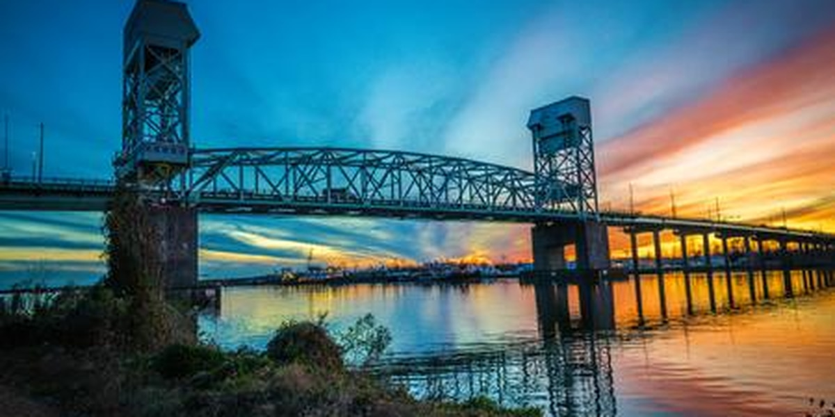 TRAFFIC ALERT: Cape Fear Memorial, Isabel Holmes bridges to open for tanker