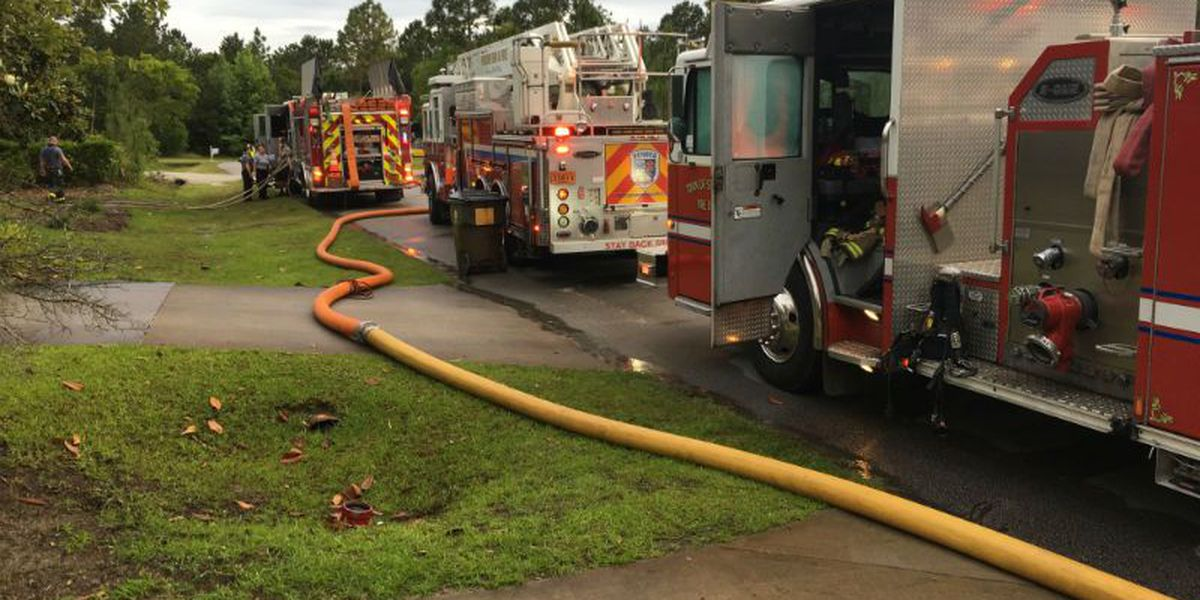Crews respond to structure fire in Hampstead