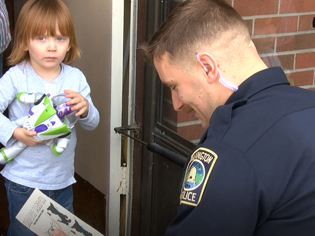 Wilmington officer saves Christmas for 3-year-old