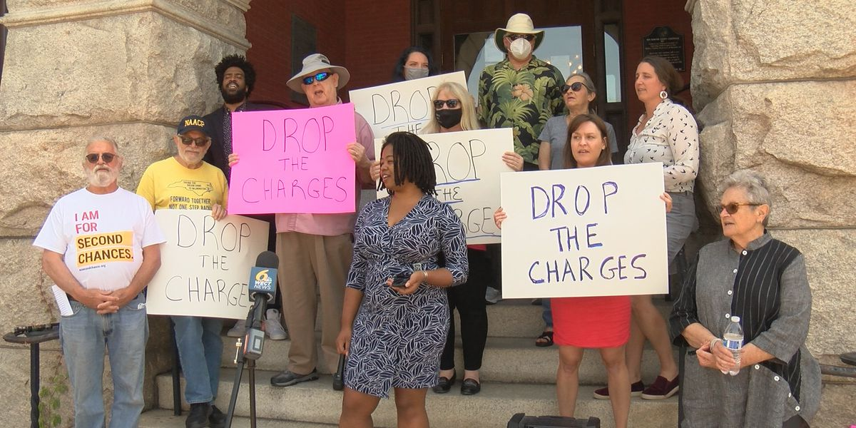 Activists call on DA to drop charges against three Wilmington protest organizers