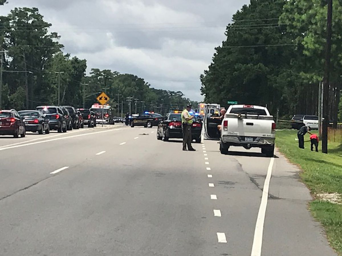 One person killed, another injured in gun battle between 2 cars along Carolina Beach Road, Wilmington police say
