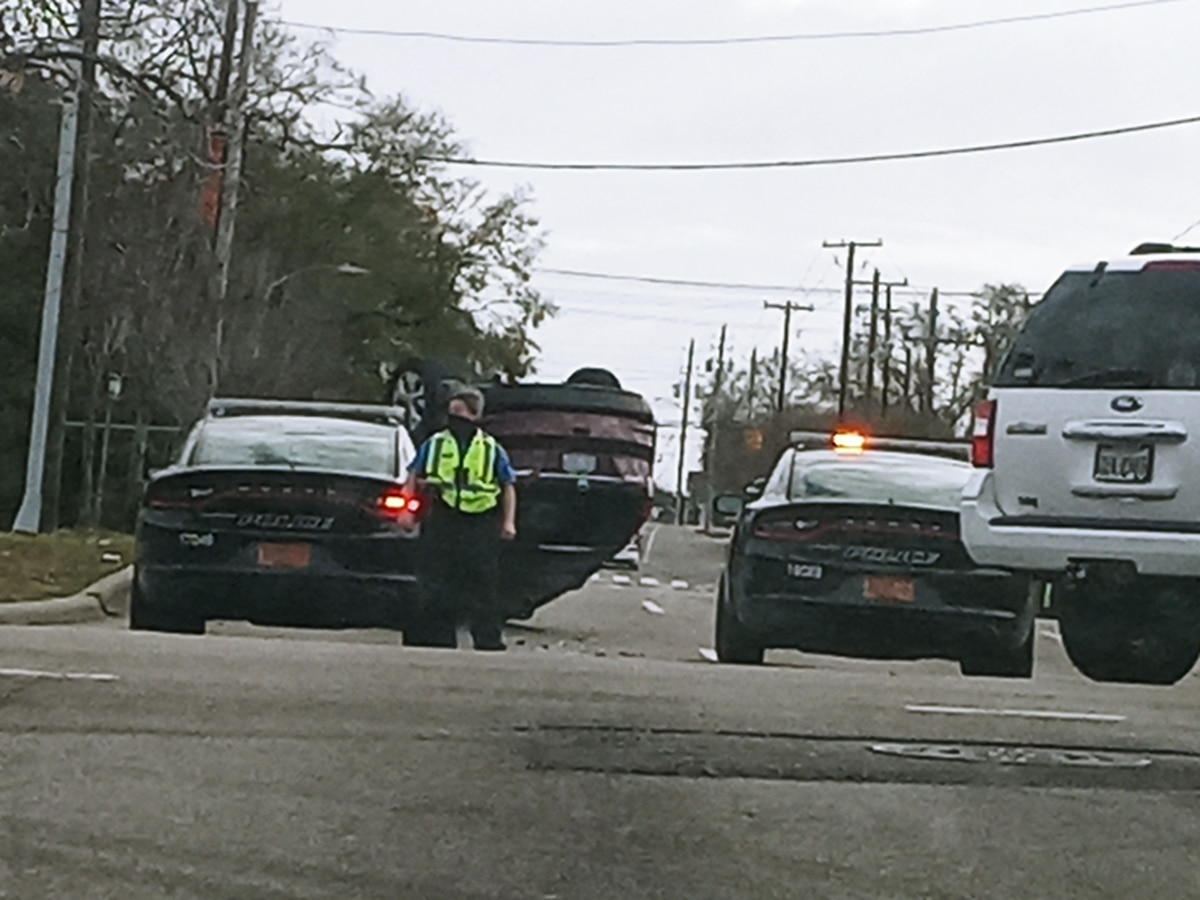 Wreck on Third St. causes traffic slowdown coming into Wilmington