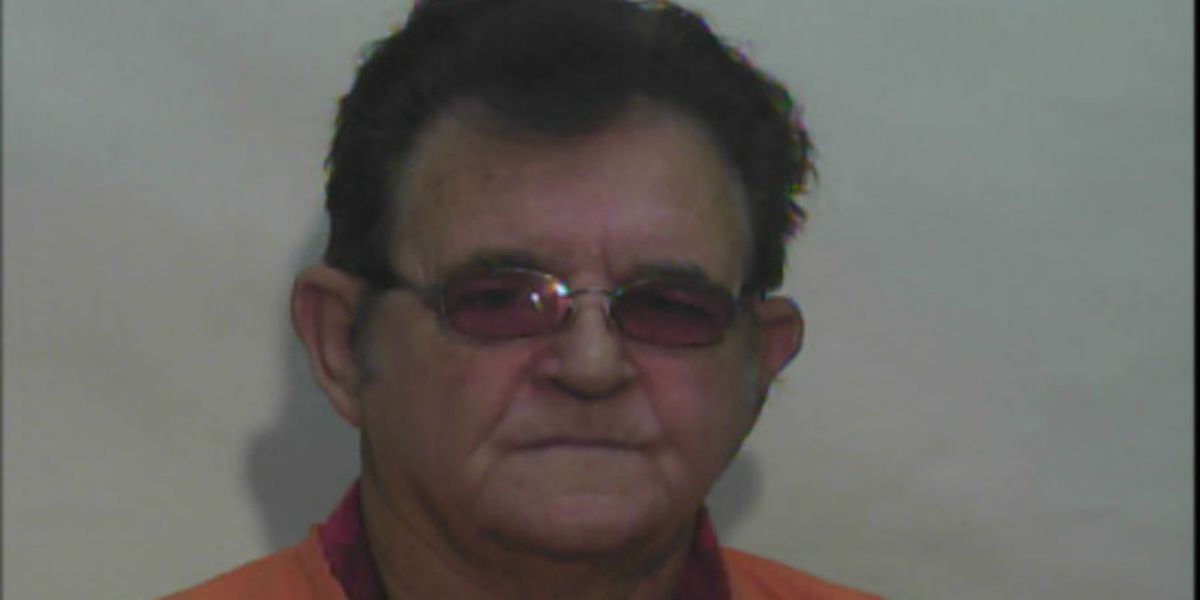 Whiteville man 'acting suspicious' toward young girls charged with sex crimes, police say
