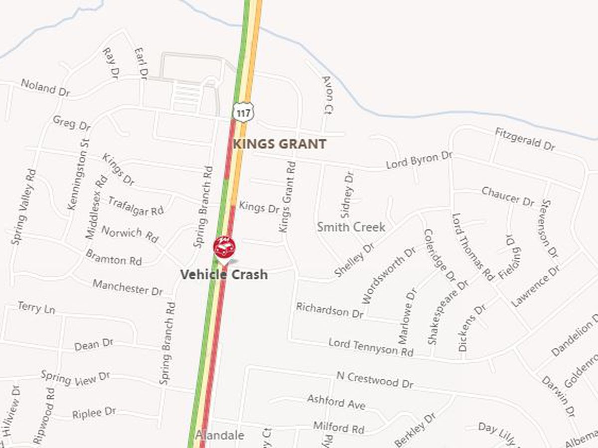 TRAFFIC ALERT: Wreck causes multiple lane closures on College Road near Kings Grant