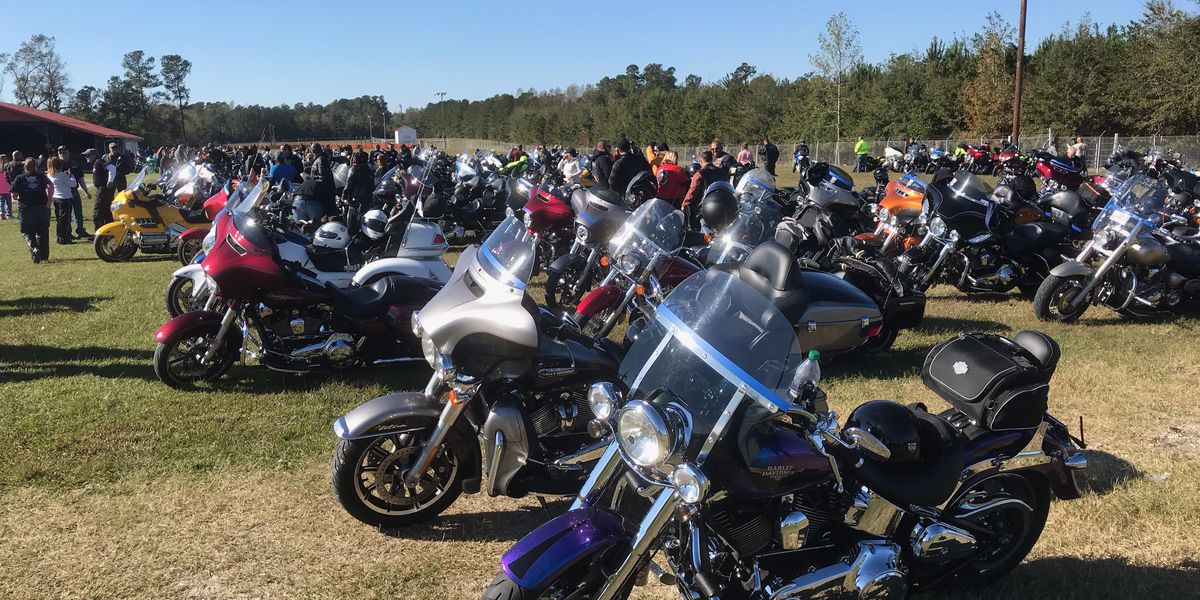 Hundreds of vehicles cruise for fallen state trooper during charity ride