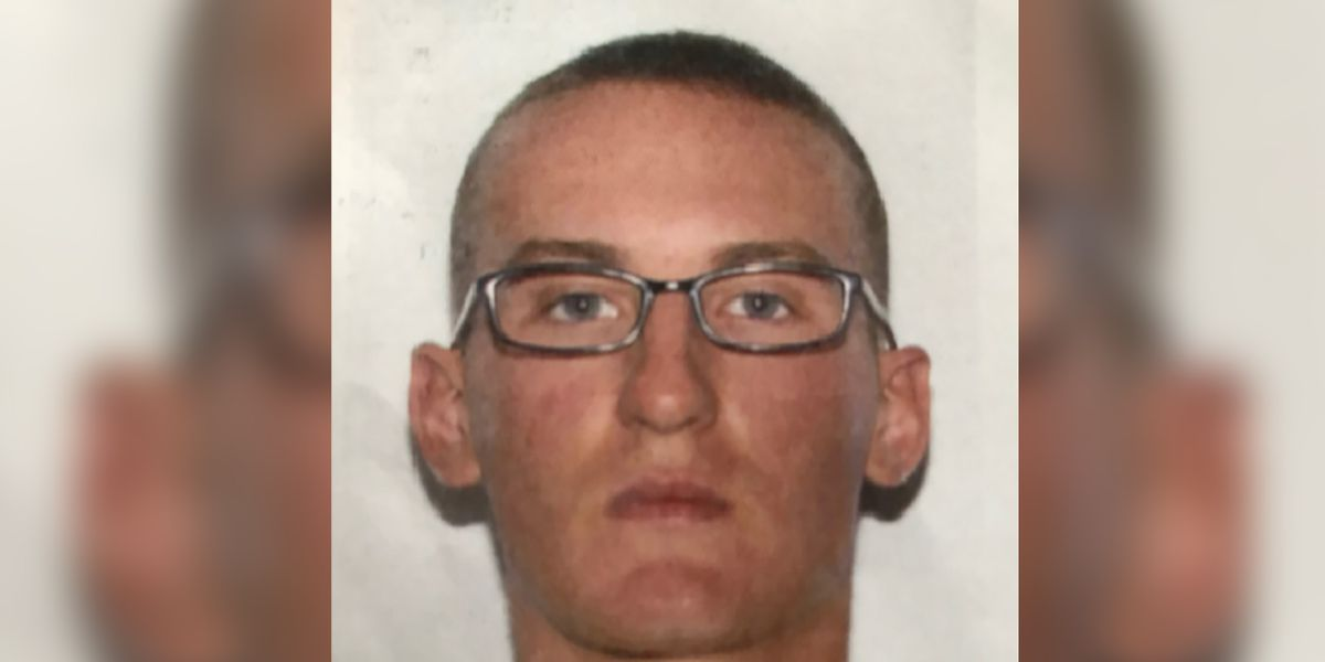 Police hunt Marine deserter wanted in murder case