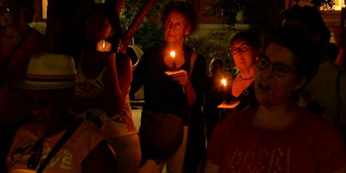 Women Organizing for Wilmington hosts candlelight vigil