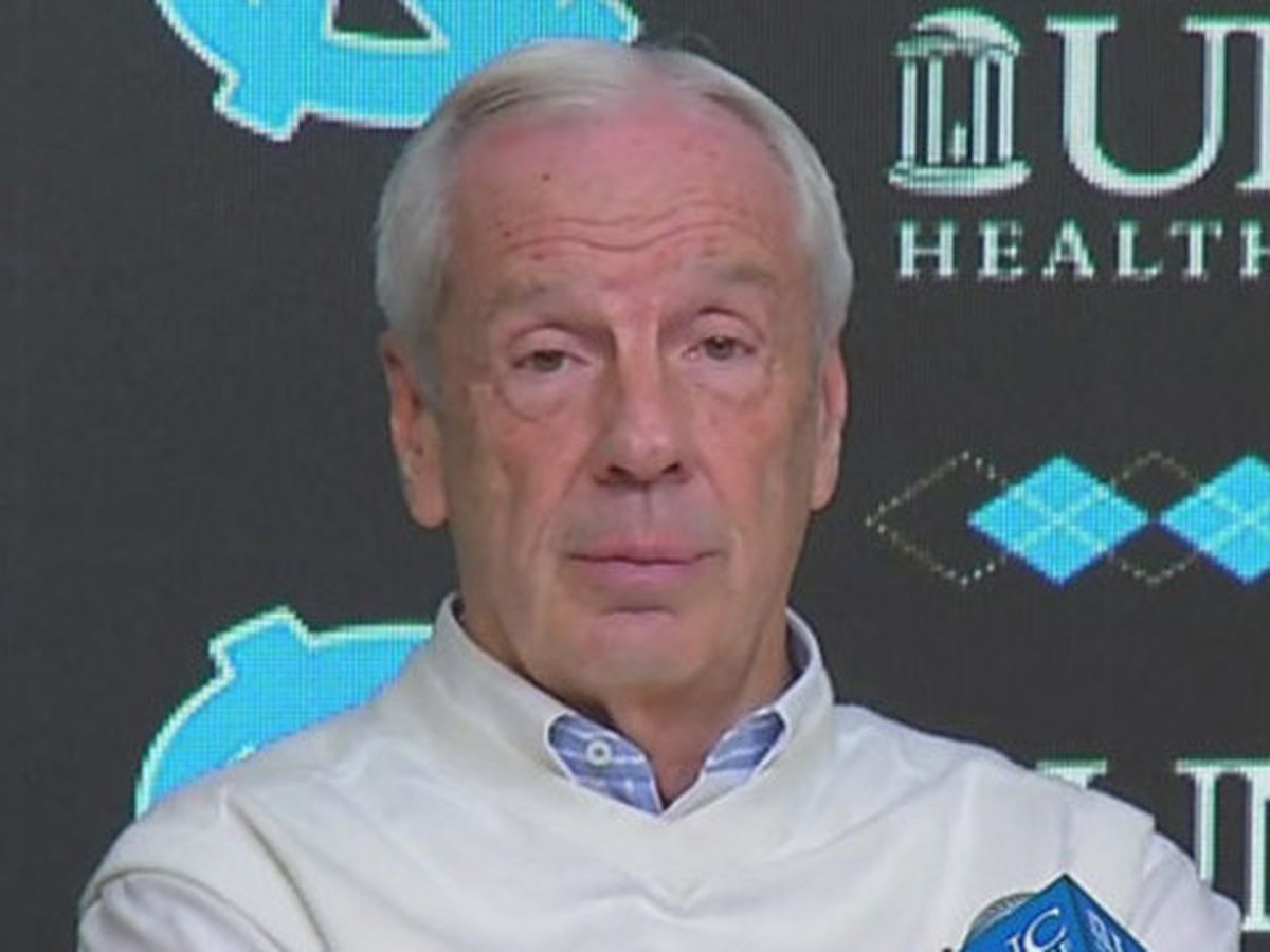 Head coach Roy Williams signs 8-year extension with North Carolina