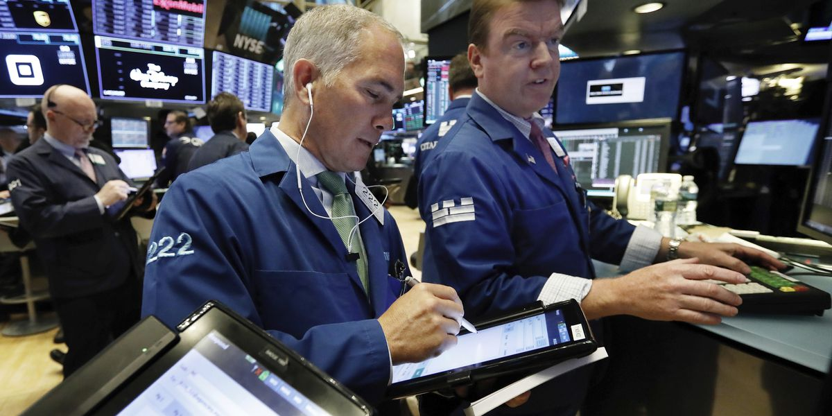 Tech stocks lead broad sell-off in US stocks; oil rebounds